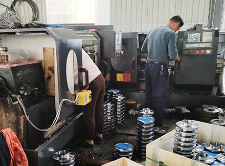 法兰生产设备8